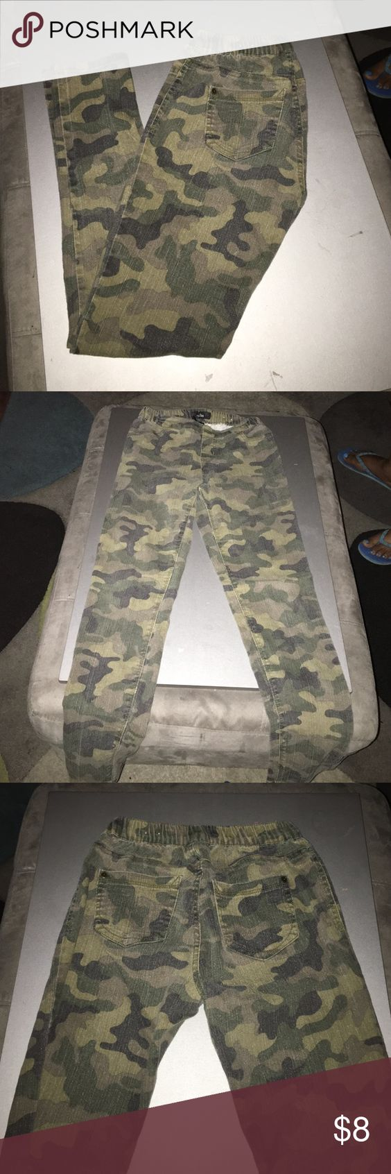 Camouflage skinnys Cute Camouflage skinnys to be dressed up or down South Pole Pants Skinny