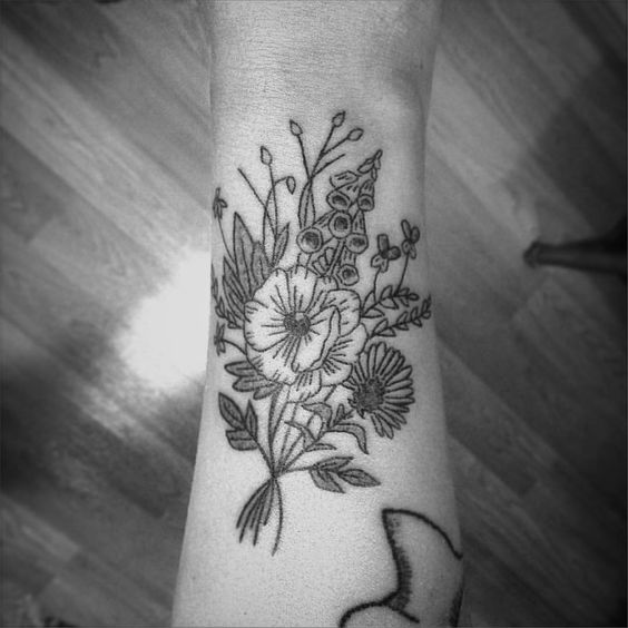 Cate Webb :: Lovely bouquet for Allison! Thanks again (wraps around the arm)