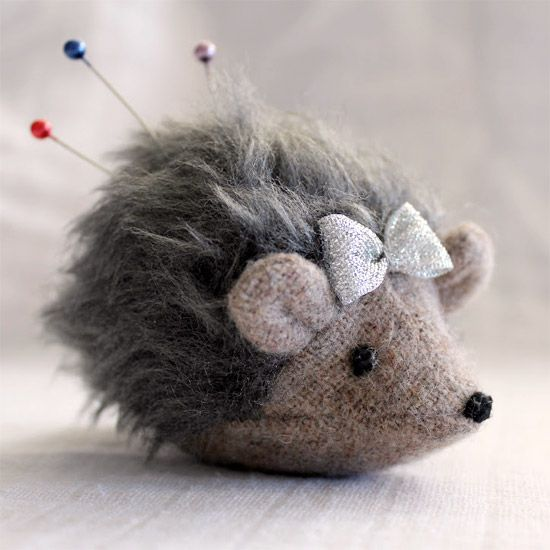 This hedgehog pincushion is so cute, but I don't think I could bring myself to poke her with pins!