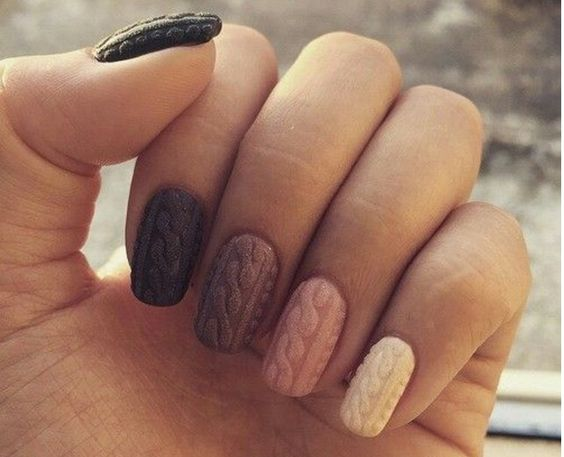 """Thanks to nail technicians, you can now give your nails a cable knit design with the new """"sweater nails"""" trend."""
