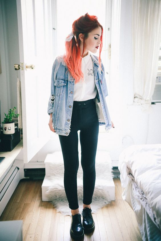 skinny black riding pants with a denim jacket <3