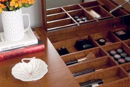 Maquiagem em ordem - Não consegue encontrar o rímel, o blush ou a sombra? Preparamos 5 dicas para acabar com a bagunça dos cosméticos