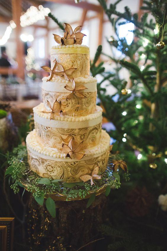 outdoor-glam-pennsylvania-wedding- Wedding Cake