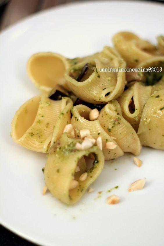 Pasta with Pesto, Aubergine and Almonds - Conchiglioni al pesto con melanzane e mandorle