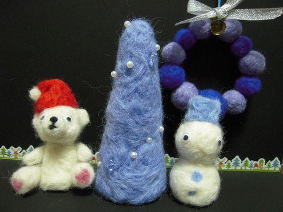羊毛をチクチクして作ったクリスマスデコレーションを4点セットにしてみました。ちょっとしたコーナーに並べたり、紐を付けて吊り下げたり、かわいい籠や箱に入れてプレ...|ハンドメイド、手作り、手仕事品の通販・販売・購入ならCreema。