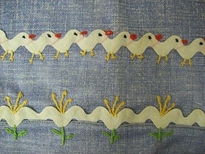 I ❤ embroidery . . . How cute! Chicks & Flowers !!!Embroidery around some ric rac would look adorable on the edge of a pillowcase or a quilt.: