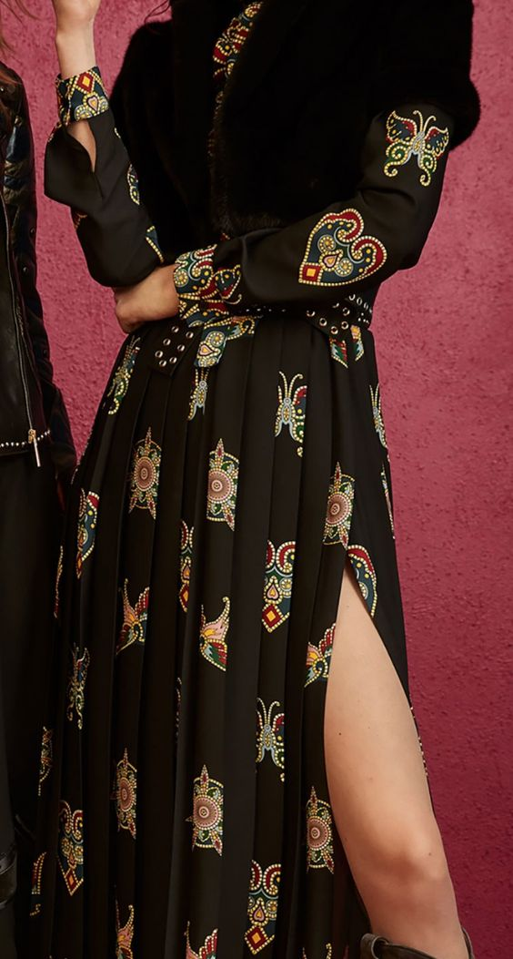 Pin By Kate Hennessy On Pre Fall 2018 Passion For Fashion Fashion Fashion Trends