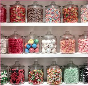 I adore the look of candy & can never resist going in a candy shop. I don't know if it's the way it smells, the colours, or the idea of such a simple pleasure!