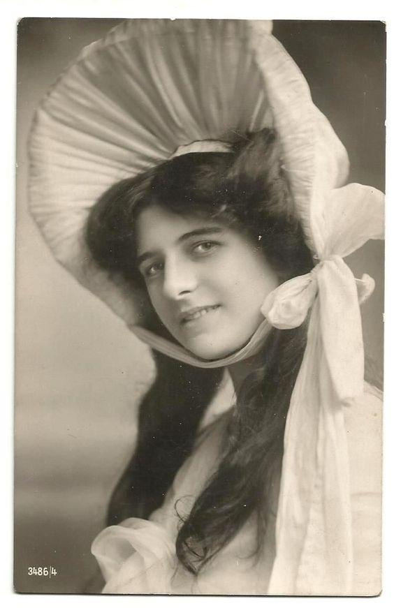 Junge Frau mit Riesenhut, 1910 | eBay