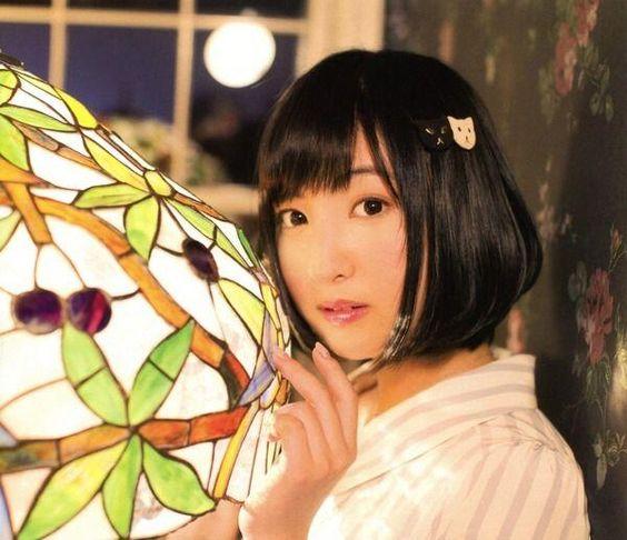 神秘的な雰囲気の佐倉綾音さん