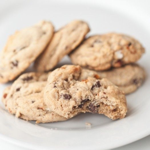 Whole Wheat Chocolate Chip Cookies | FoodsOfOurLives.com