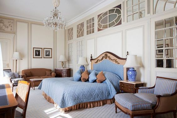 Exquisite historical suite at with a view of Lake Geneva and Mont Blanc