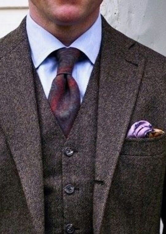 Farb-und Stilberatung mit www.farben-reich.com - An Elegant Man's 3 Piece Tweed Suit - Definitely The Look Of An Earlier Time Era