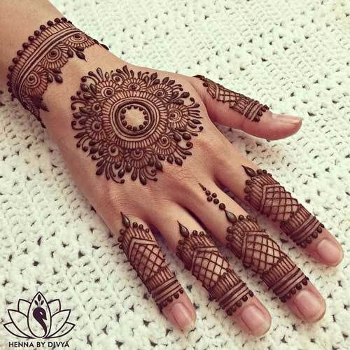 Minimal new mehndi design ideas for this wedding season