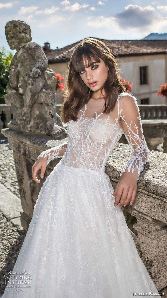 cray fall in love with this wedding dress