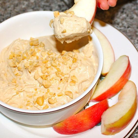 Peanut Butter Fluff Protein Dip  __________________________________________ 1 (6 oz) container plain 0% Greek yogurt 2 tbsp @bellplantation PB2 (powdered peanut butter) 2 tbsp #Protein1 Vanilla whey 2 tbsp @truwhip  __________________________________________ *Mix all ingredients and serve with apple slices! This is perfect for a light dessert or party dip