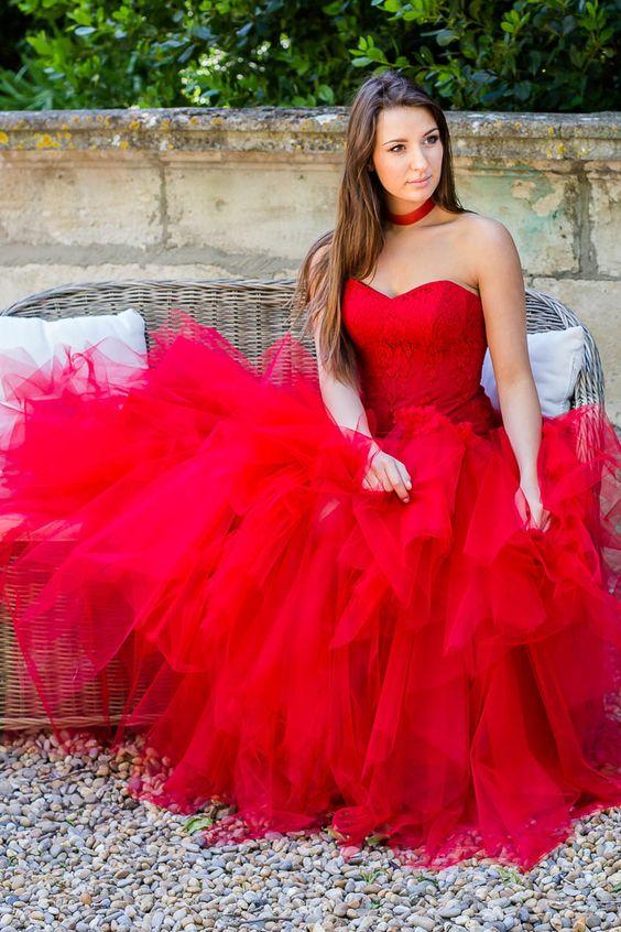 7 robes de mari e rouges bloom events. Black Bedroom Furniture Sets. Home Design Ideas