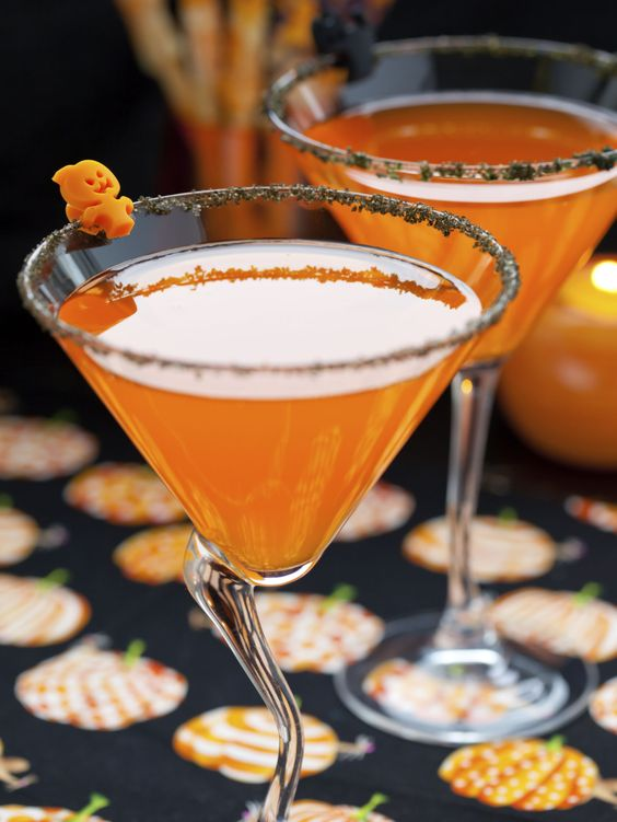 Pumpkin Spice Martinis >> http://www.diynetwork.com/halloween-entertaining/video/index.html?soc=pinterest