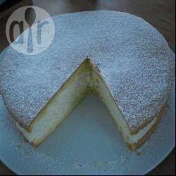 Käse-Sahne-Torte mit Biskuitboden @ de.allrecipes.com
