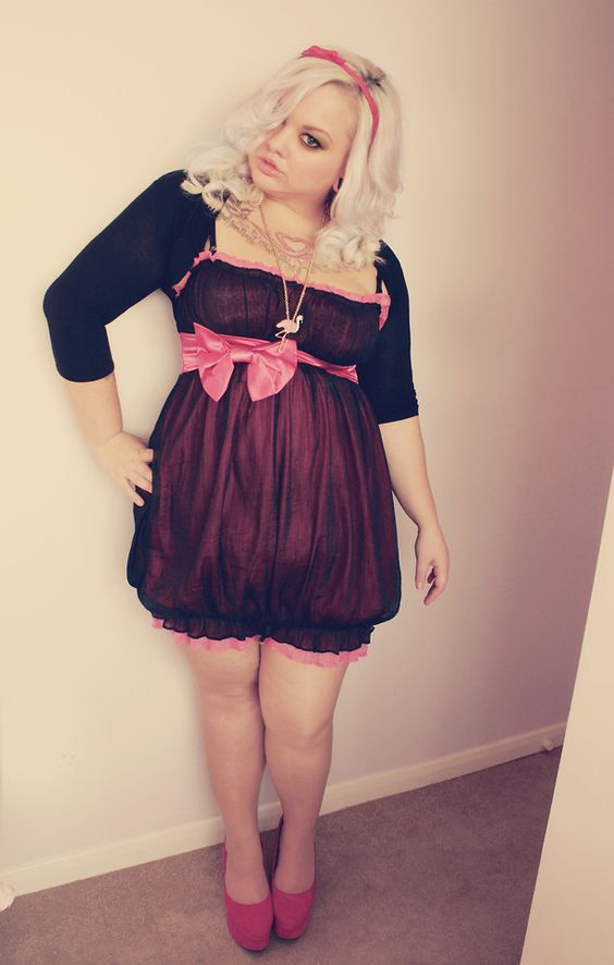 Hayley Barnes - Pussycat London Pink Bow Dress, Lydc Pink Wedges, Lily Allen Pink Flamingo Necklace - Pink Bow Plus Size