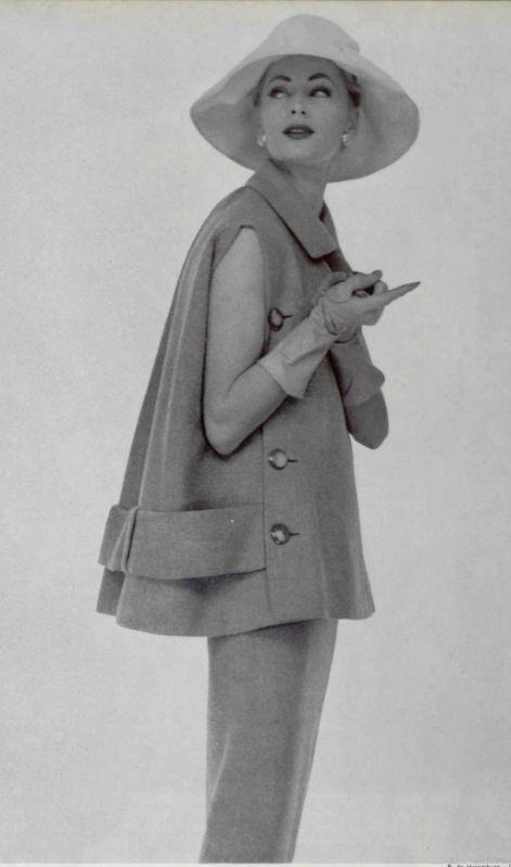 1956 nina ricci - I remember my mother dressing like this!