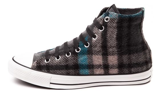 The New Converse Woolrich Sneakers - http://www.soleracks.com/the-new-converse-woolrich-sneakers/