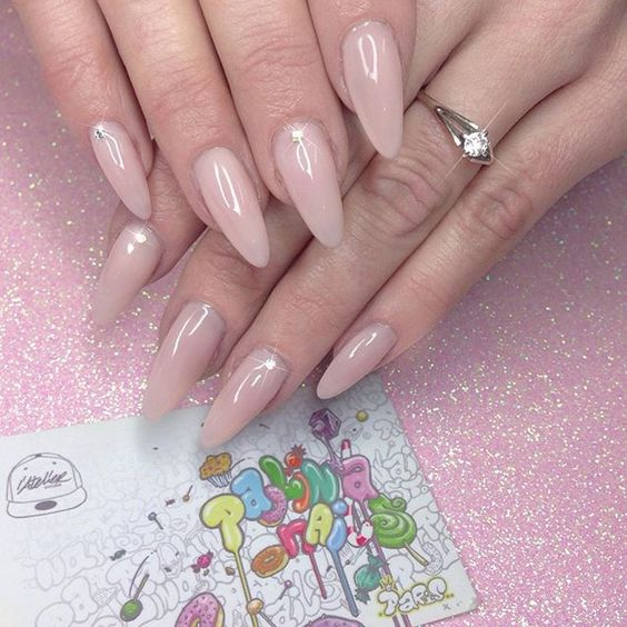 Nude🌸  #paolinanails#atelierstoreparis#nails#nudenails#essie#gelpolish#gelnails#nails#nailart#n#girl#nailsdone#nailtech#nailartwow#nailsalon#beauty#nailaddict#gel#nude#nailartist
