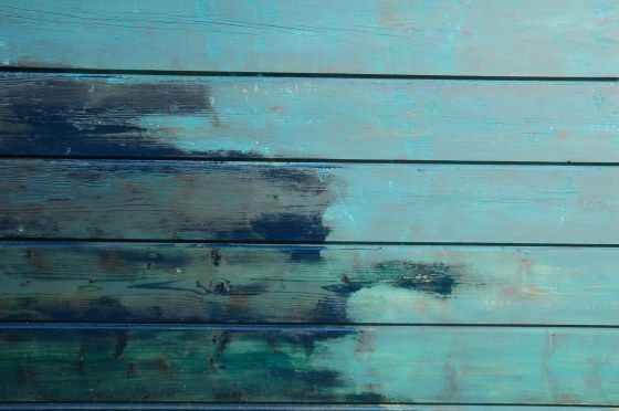 Blauw geverfd hout