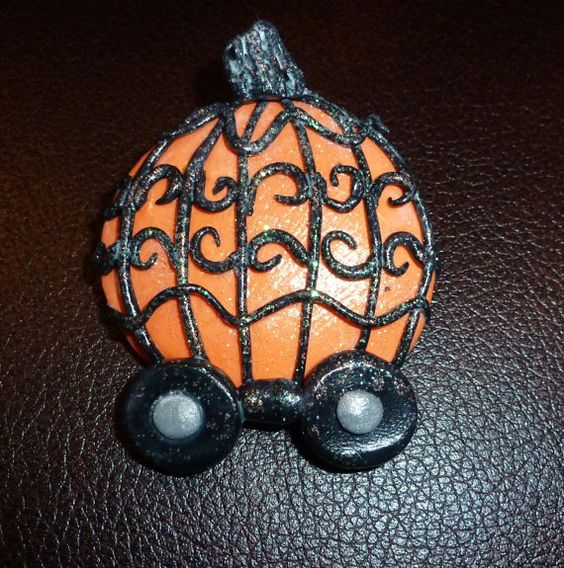 Pumpkin Coach Pin by artsdaughter on Etsy