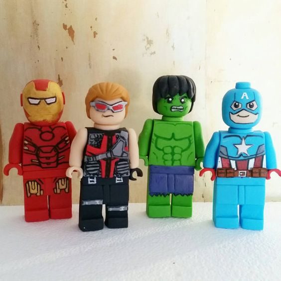 Marvel dc superheld lego geïnspireerd taart door DsCustomToppers