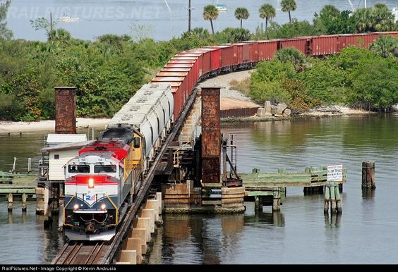 RailPictures.Net Photo: FEC 106 Florida East Coast Railroad (FEC) EMD SD70M-2 at Stuart , Florida by Kevin Andrusia