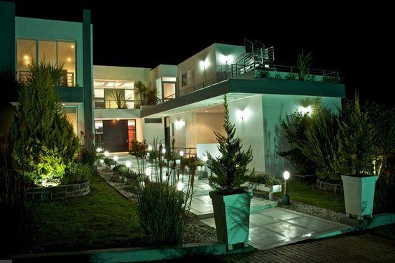 5 habitaciones,6 baños,6 garajes,sauna,turco,jacuzzi
