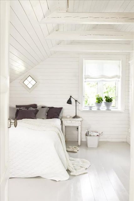 I love the thoughts of an all white clutter free bedroom. Imagine the great dreams a gal could have here.: