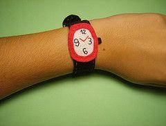 Reloj de fieltro! Que se pare el tiempo en la hora que más te gusta!