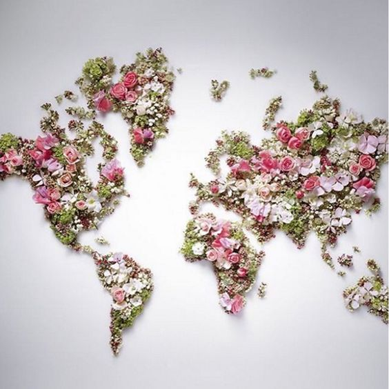 """¿Quién no sueña con un mundo mejor? Creo que todos. Ojalá pudiéramos tener un mundo  lleno de flores, de amor, de buenas vibraciones, llenarlo de todo lo bonito que tenemos cada uno y que cada día florecieran sentimientos pero de los buenos. Solo hay que imaginarlo y hacerlo real. """"Sé el cambio que quieras ver en el mundo"""". """"Be the change you want to see in the world"""". Y con esta frase de Mahatma Gandhi te deseo un ¡Feliz Domingo!  ¡Happy Sunday!"""