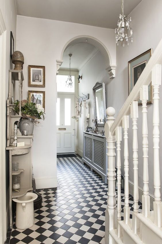 Treasure trove monochrome tiles bring the victorian hallway to life mai son ette pinterest Interior design ideas for edwardian houses