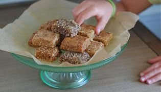 Recipe: Homemade Nut Free Larabars