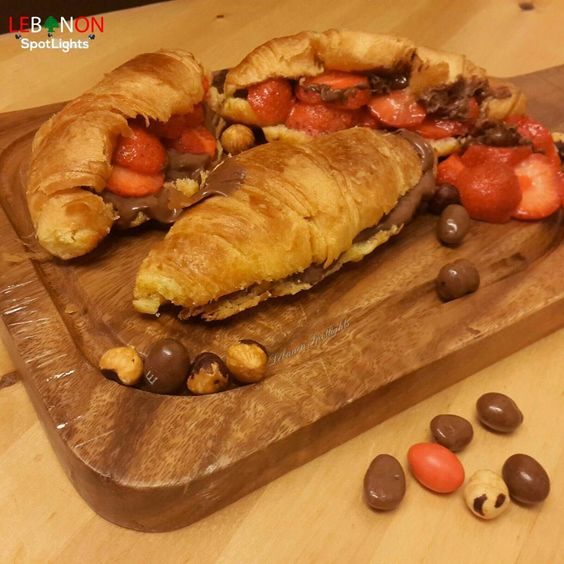 """Finished my book finally ..& needed a treat ☝.. ~I put left over plain croissant from yesterday in the oven.. Than filled it with nutella and…"""