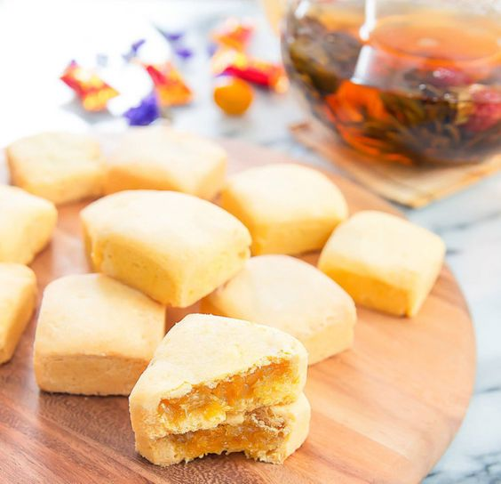 Taiwanese Pineapple Cakes | Here's What To Eat During Lunar New Year