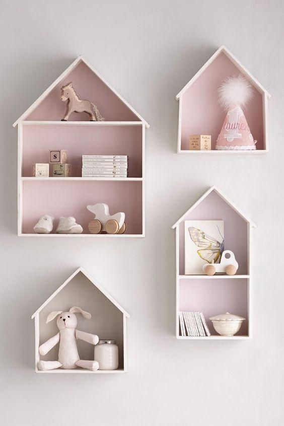 Süße Idee für das Mädchenzimmer - Hängeschränke in Form eines Hauses.: