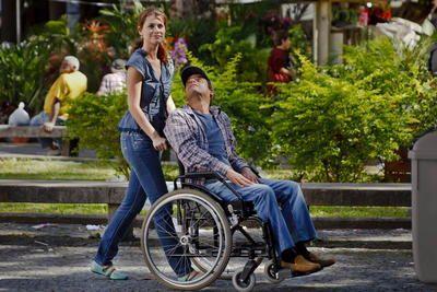 Gata e cadeirante testam preconceito nas ruas | Portal PcD On-Line