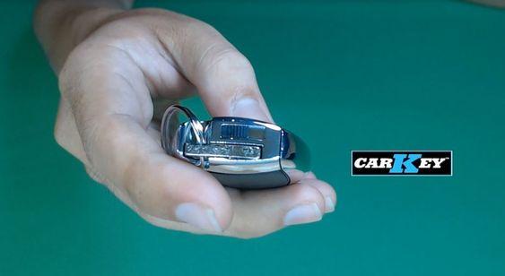 Hướng dẫn thay pin chìa khóa xe Mercedes-Benz