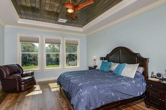 Hawks Nest Beach House by NWC Construction