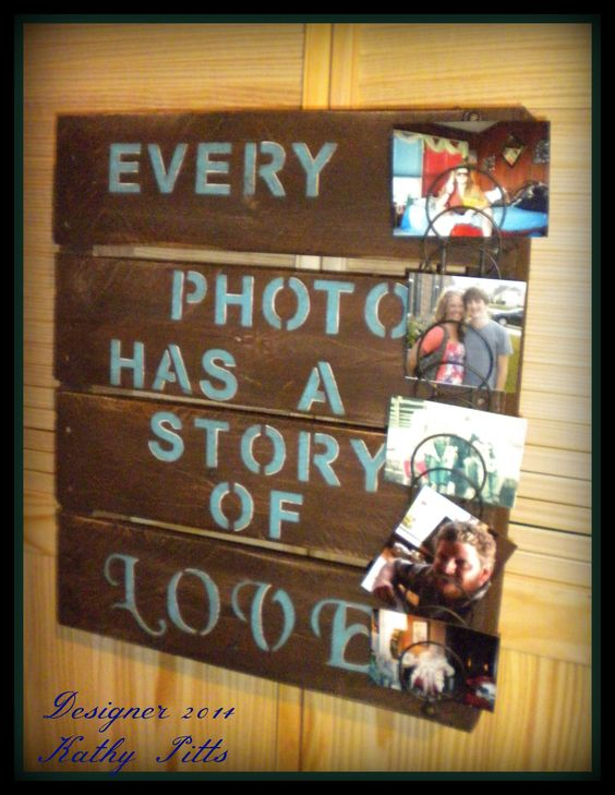 What a neat idea to place your picture. Made from a wooden pallet and and old wired letter rack.