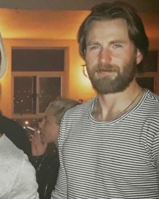 Chris Evans Looking All Hot And Rugged Chris Evans Christopher