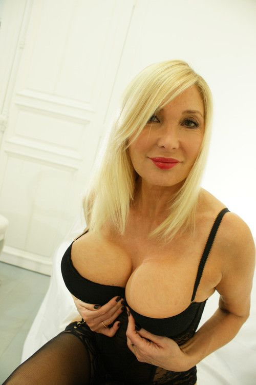 Milfs deluxe for Usa hot pic