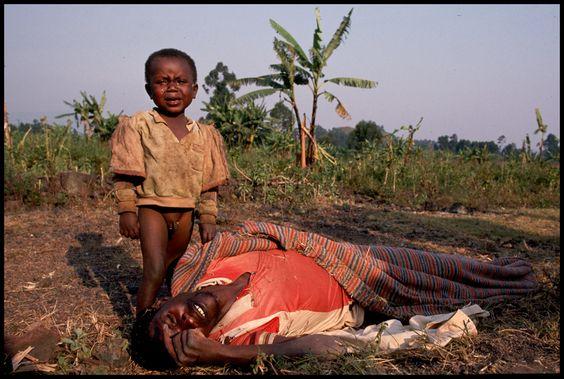 RWANDA / DESESPERO DA CRIANÇA.   .voce acha que tem o direito de reclamar de alguma coisa. Deviamos ter vergonha