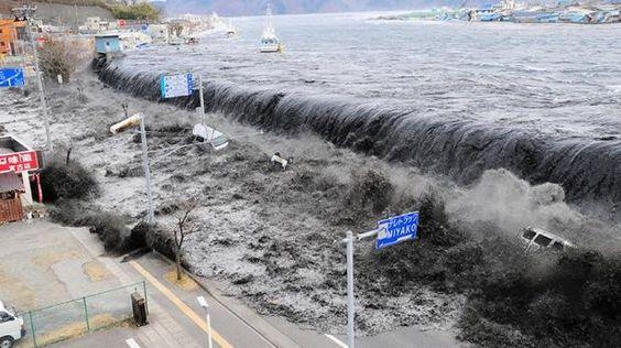 Japón: Los videos de terror que dejó el tsunami de 2011 || EL COMERCIO ||