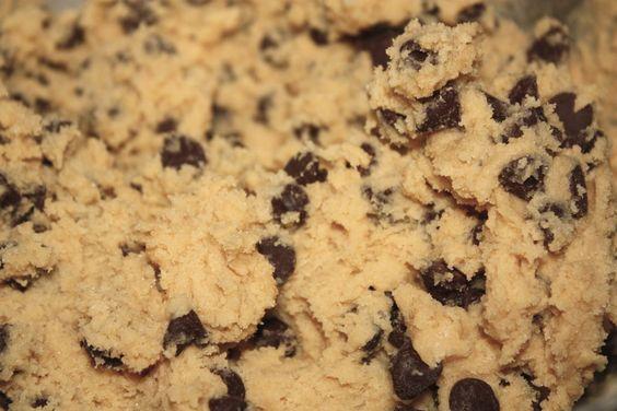 Casein protein cookie dough desert. I use chocolate casein, 1/4c unsweetened vanilla almond milk, tbsp all natural peanut butter, 2 tbsp chobani vanilla greek yogurt and tbsp dark chocolate chips.  Enjoy guilt free! :)