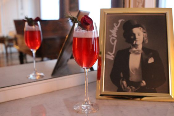 Perlita, this week's cocktail. Cranberry juice with rosemary and sage, rose sirup & Champagne in Marlene Dietrich's suite. #SuiteMarlene #MarleneDietrich #hotellancaster #cocktails #lescocktailsdumardisoir